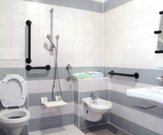 Salle de bain pour personne a mobilite reduite 16