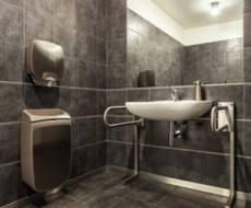 Salle de bain pour personne a mobilite reduite charente