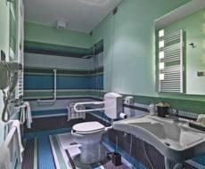 Salle de bain pour personne a mobilite reduite poitou charentes